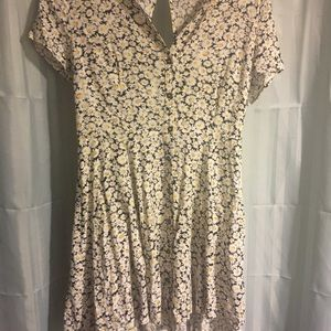 Forever 21 button front daisy print dress